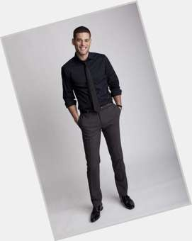 Ivan Sergei dark brown hair & hairstyles Athletic body,