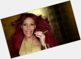 "<a href=""/hot-women/ivy-queen/where-dating-news-photos"">Ivy Queen</a> Slim body,  dyed blonde hair & hairstyles"