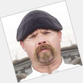 "<a href=""/hot-men/jamie-hyneman/is-he-brony-jerk-atheist-married-autistic-alcoholic"">Jamie Hyneman</a> Average body,  bald hair & hairstyles"