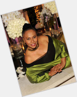 "<a href=""/hot-women/jenifer-lewis/is-she-married-bipolar-actress-what-net-worth"">Jenifer Lewis</a> Average body,  black hair & hairstyles"