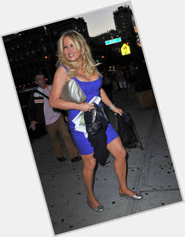 Jennifer Coolidge blonde hair & hairstyles Voluptuous body,