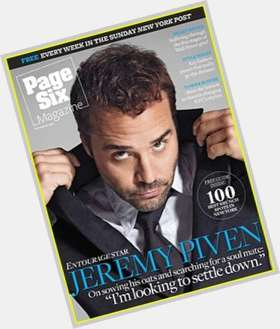 "<a href=""/hot-men/jeremy-piven/is-he-married-bald-jerk-homosexual-douchebag-nice"">Jeremy Piven</a> Average body,  dark brown hair & hairstyles"