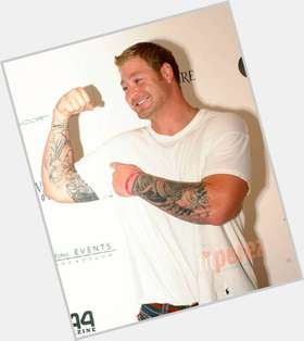Jeremy Shockey blonde hair & hairstyles Bodybuilder body,
