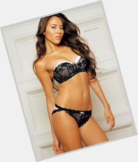 "<a href=""/hot-women/jessica-michibata/is-she-japanese-dating-ugly"">Jessica Michibata</a> Slim body,  light brown hair & hairstyles"