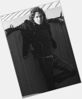 "<a href=""/hot-men/jim-morrison/is-he-alive-really-related-van-buried-paris"">Jim Morrison</a> Average body,  dark brown hair & hairstyles"