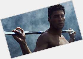 Joffrey Lupul dark brown hair & hairstyles Athletic body,