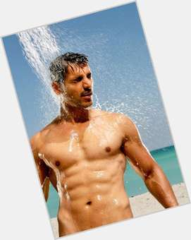 "<a href=""/hot-men/john-abraham/is-he-married-hindu-hall-famer-christian-vegetarian"">John Abraham</a> Athletic body,  dark brown hair & hairstyles"