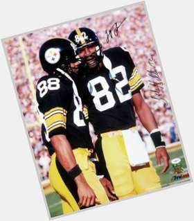 "<a href=""/hot-men/john-stallworth/is-he-hall-fame-what-net-worth-where"">John Stallworth</a> Athletic body,  black hair & hairstyles"