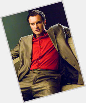 Julian Mcmahon dark brown hair & hairstyles Athletic body,