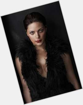 Kc Concepcion dark brown hair & hairstyles Voluptuous body,