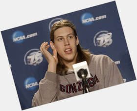 "<a href=""/hot-men/kelly-olynyk/is-he-married-playing-tonight-irish-ukrainian-does"">Kelly Olynyk</a> Athletic body,  blonde hair & hairstyles"