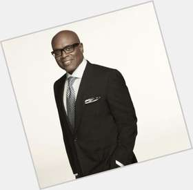 "<a href=""/hot-men/l-a-reid/where-dating-news-photos"">L A Reid</a> Average body,  bald hair & hairstyles"