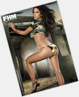 Leeann Tweeden dark brown hair & hairstyles Athletic body,