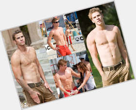 Liam Hemsworth light brown hair & hairstyles Athletic body,