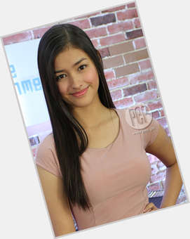 "<a href=""/hot-women/liza-soberano/where-dating-news-photos"">Liza Soberano</a> Slim body,  light brown hair & hairstyles"