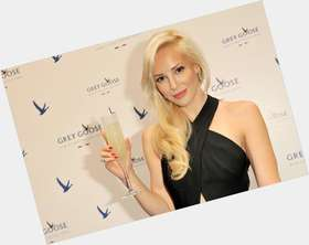 "<a href=""/hot-women/louise-linton/is-she-married-what-lintons-net-worth-father"">Louise Linton</a> Slim body,  blonde hair & hairstyles"