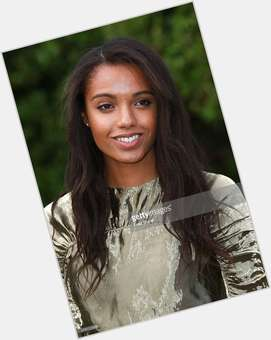 "<a href=""/hot-women/maisie-richardson-sellers/is-she-richardson-sellers-married-are-parents-tall"">Maisie Richardson Sellers</a> Slim body,  black hair & hairstyles"