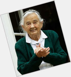 "<a href=""/hot-women/maria-von-trapp/is-she-still-alive"">Maria Von Trapp</a> Average body,"
