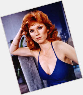 "<a href=""/hot-women/marilu-henner/is-she-married-vegan-christian-genius-savant-sick"">Marilu Henner</a> Average body,  red hair & hairstyles"
