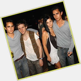 "<a href=""/hot-men/max-minghella/is-he-married-tall"">Max Minghella</a> Slim body,  black hair & hairstyles"