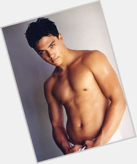 "<a href=""/hot-men/michael-copon/is-he-married-filipino-single-mexican-hispanic-asian"">Michael Copon</a> Athletic body,  black hair & hairstyles"