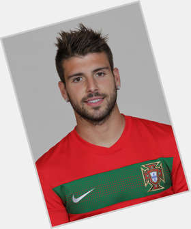 Miguel Veloso dyed blonde hair & hairstyles Athletic body,