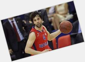 "<a href=""/hot-men/milos-teodosic/is-he-a-rookie-playing-tonight-good-was"">Milos Teodosic</a> Athletic body,  black hair & hairstyles"