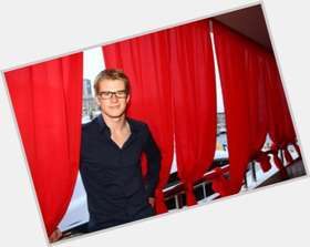 Nico Hulkenberg light brown hair & hairstyles Athletic body,