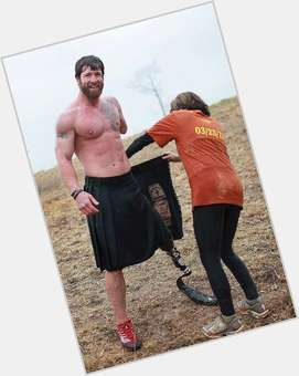 "<a href=""/hot-men/noah-galloway/is-he-married-what-doing-now-tall"">Noah Galloway</a> Athletic body,  dark brown hair & hairstyles"