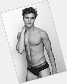 Oliver Cheshire light brown hair & hairstyles Athletic body,
