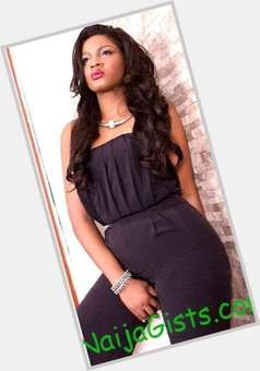 "<a href=""/hot-women/omotola-jalade-ekeinde/is-she-divorced-married-husband-tall-which-state"">Omotola Jalade Ekeinde</a> Average body,  dark brown hair & hairstyles"