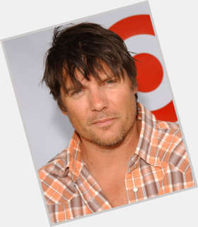 Paul Johansson dark brown hair & hairstyles Athletic body,