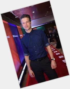 "<a href=""/hot-men/peter-scanavino/is-he-married-where"">Peter Scanavino</a> Average body,  light brown hair & hairstyles"