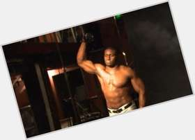 Reggie Bush dark brown hair & hairstyles Bodybuilder body,