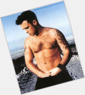 "<a href=""/hot-men/robbie-williams/is-he-bi-married-still-related-robin-going"">Robbie Williams</a> Average body,  dark brown hair & hairstyles"