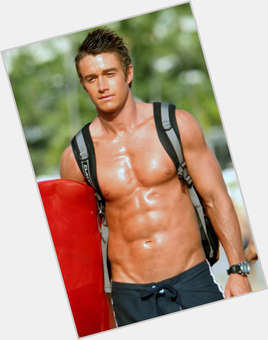 Robert Buckley light brown hair & hairstyles Athletic body,
