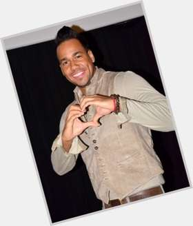 Romeo Santos dark brown hair & hairstyles Athletic body,