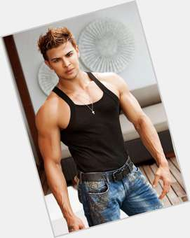 Sahil Khan dark brown hair & hairstyles Bodybuilder body,