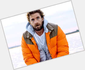 Scott Speedman light brown hair & hairstyles Athletic body,