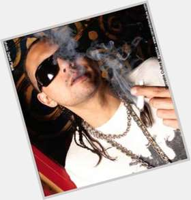 "<a href=""/hot-men/sean-paul/is-he-jamaican-white-married-indian-pitbull-puerto"">Sean Paul</a> Average body,  black hair & hairstyles"