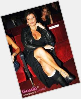"<a href=""/hot-women/serena-grandi/is-she-bi-2014"">Serena Grandi</a> Voluptuous body,  black hair & hairstyles"