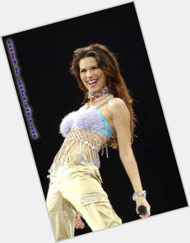 "<a href=""/hot-women/shania-twain/is-she-still-married-canadian-related-mark-singing"">Shania Twain</a> Slim body,  dark brown hair & hairstyles"