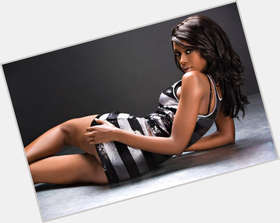 "<a href=""/hot-women/sindi-dlathu/where-dating-news-photos"">Sindi Dlathu</a> Slim body,  black hair & hairstyles"
