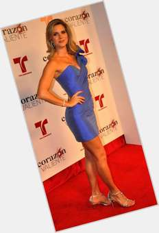 Sonya Smith dyed blonde hair & hairstyles Voluptuous body,