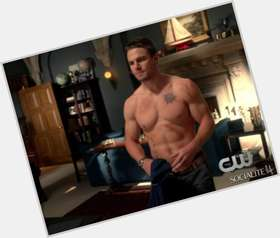 Stephen Amell light brown hair & hairstyles Athletic body,