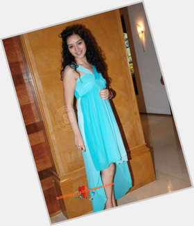 "<a href=""/hot-women/sukirti-khandpal/is-she-kandpal-married"">Sukirti Khandpal</a> Slim body,  black hair & hairstyles"