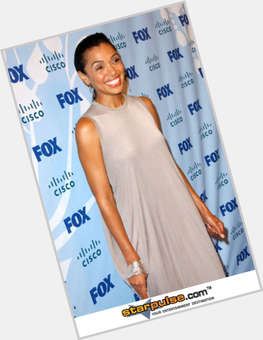 "<a href=""/hot-women/tamara-taylor/is-she-black-singer-sick-related-aisha-anorexic"">Tamara Taylor</a> Slim body,  black hair & hairstyles"