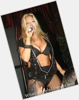"<a href=""/hot-women/taylor-dayne/is-she-married-man-black-alive-or-white"">Taylor Dayne</a>  dyed blonde hair & hairstyles"