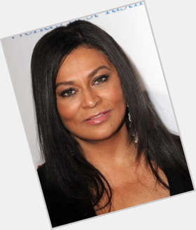 Tina Knowles dark brown hair & hairstyles Voluptuous body,