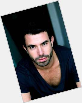 "<a href=""/hot-men/tom-cullen/where-dating-news-photos"">Tom Cullen</a> Athletic body,  black hair & hairstyles"